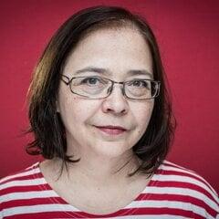 Elena Akácsová