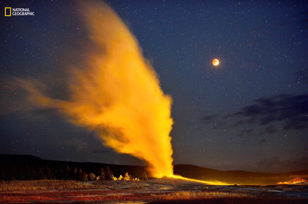 Blood Moon Eclipse and Old Faithful