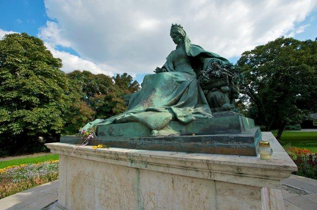 Socha cisárovnej Sissi v Budapešti