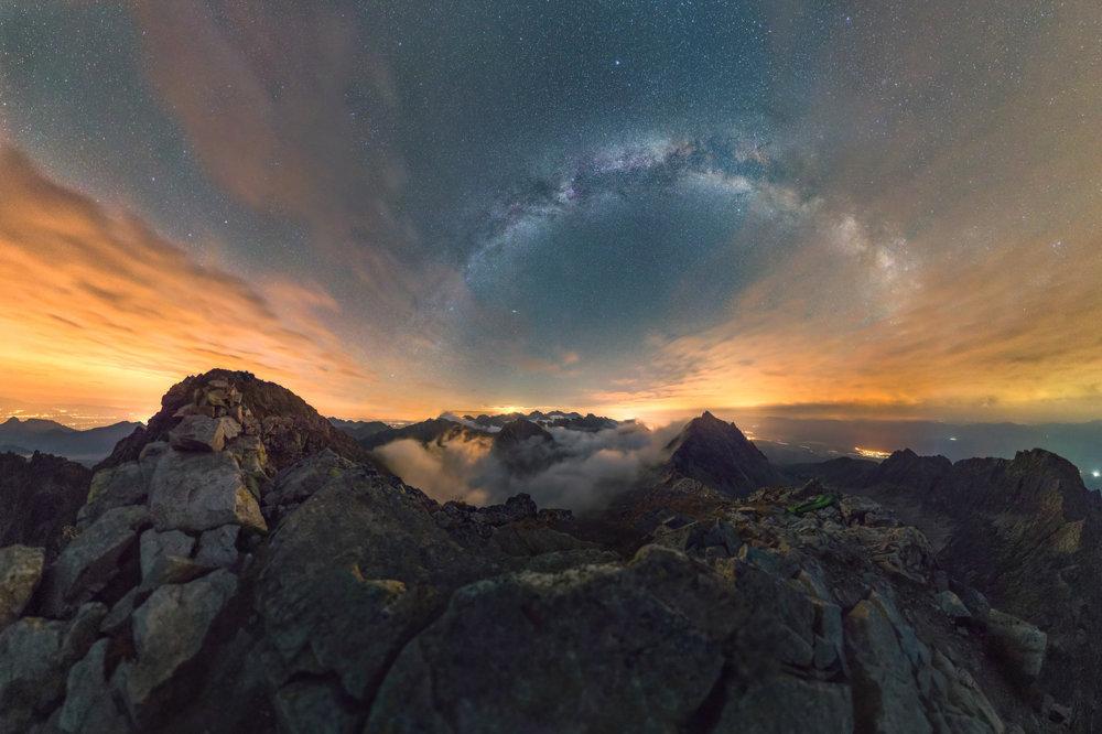 Nočná obloha z Furkotského štítu.