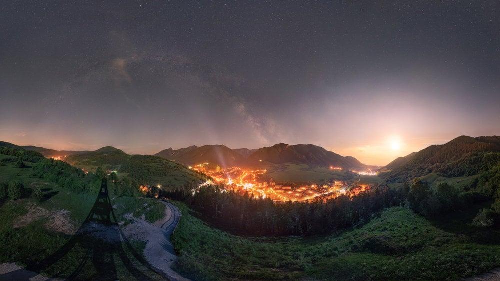 Nočná obloha nad Terchovou.