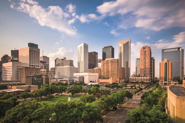 Panoráma Houstonu počas slnečného dňa.