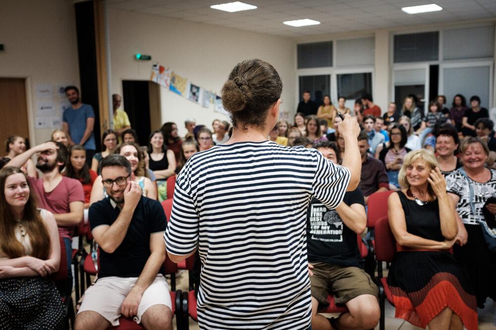 Letná škola literatúry prináša množstvo zábavy aj na workshopoch. Aspoň jeden každoročne vedie dramaturg Miro Dacho.