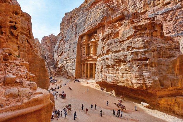 Starobylé mesto Petra je magickým zážitkom.