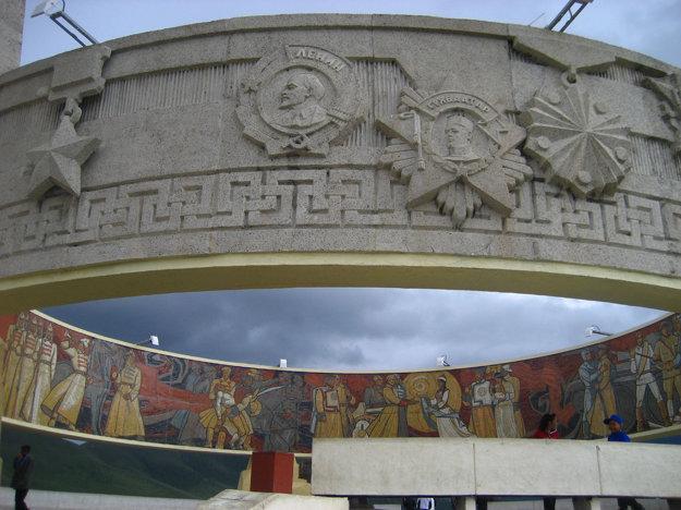 Pamätník Zaisan v Ulanbaatare, na pamiatku sovietskych vojakov zabitých v druhej svetovej vojne.