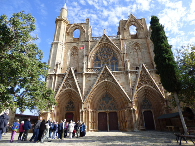 Stredoveká gotická rímskokatolícka katedrála premenená na mešitu v meste Famagusta v Severnom Cypre