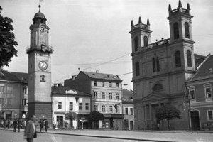 1966 - Námestie SNP a Katedrála sv. Františka Xaverského