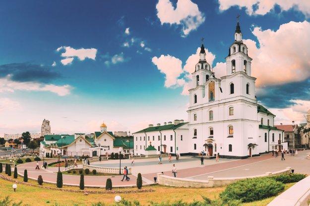 Dominantou Minsku je Katedrála Ducha Svätého.