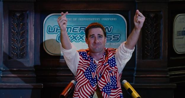 Luke Wilson ako prezident USA v ďalekej budúcnosti.