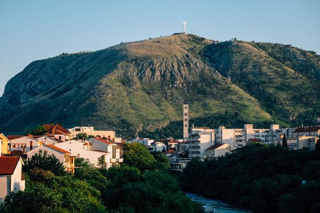 Kríž na kopci Hum nad Mostarom