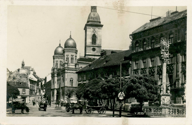Rybné námestie v Bratislave okolo roku 1920.