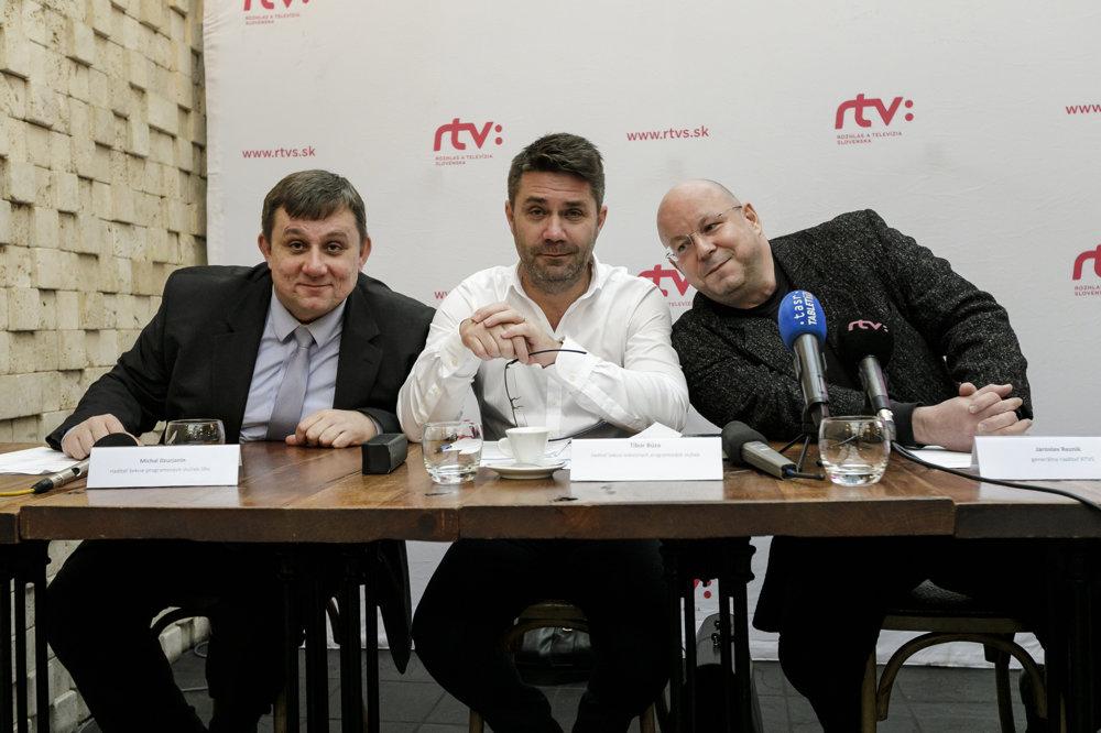 Zľava: riaditeľ Sekcie programových služieb SRo Michal Dzurjanin, riaditeľ Sekcie televíznych programových služieb Tibor Búza a generálny riaditeľ RTVS Jaroslav Rezník