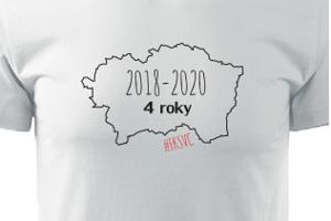 A limitovaný počet tričiek s motívom Ďoďa a štvorročného obdobia ponúka aj stránka tvojfotodarcek.sk.
