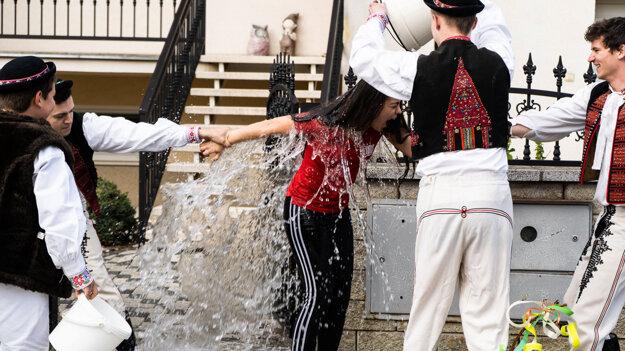 Veľkonočné tradiície v obci Selec