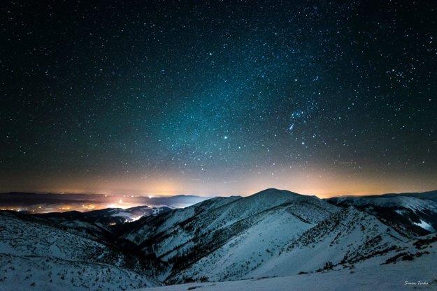 Nočná obloha nad Breznom