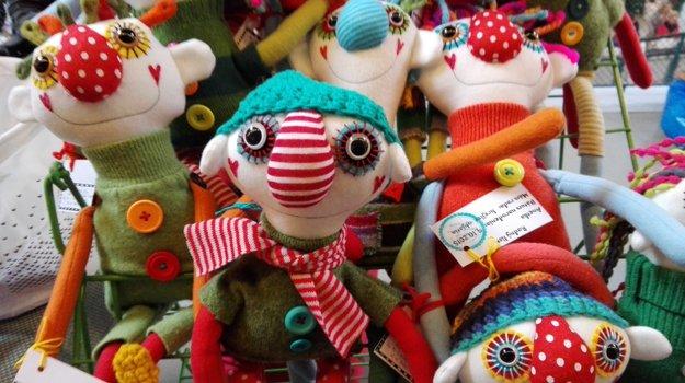 Každá bábika má aj svoj rodný list.