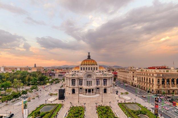 Kultúrnym centrom Mexico City je nádherný Palacio de Bellas Artes.