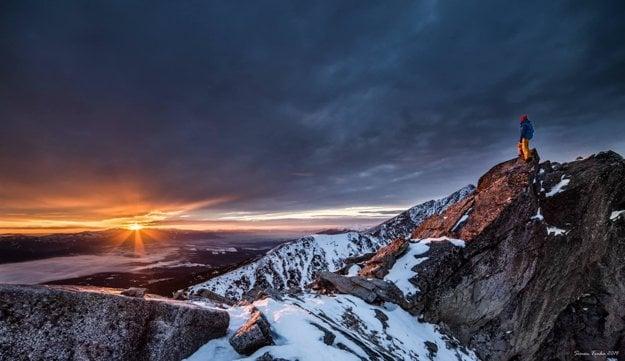 Západ slnka Predné Solisko, pohľad na Nízke Tatry