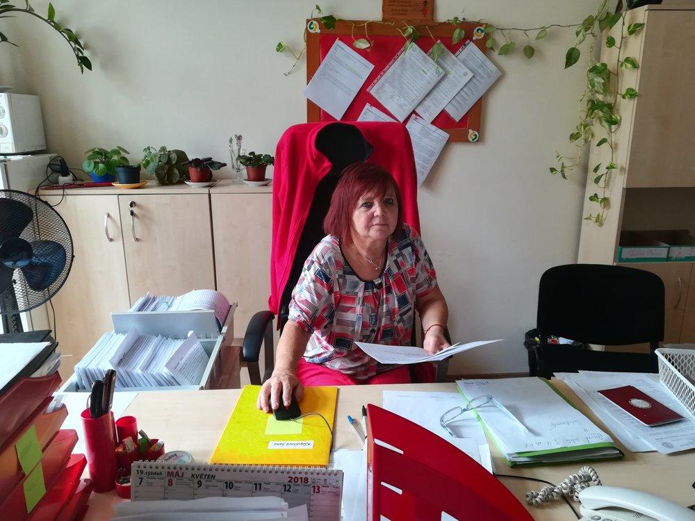 Študijná referentka Helena Ravingerová.
