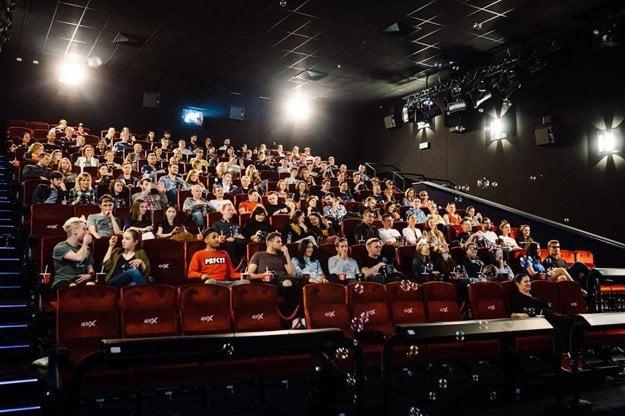d1893514d Smrad, vietor, otrasy: Otestovali sme 3 filmy v novom 4DX kine ...