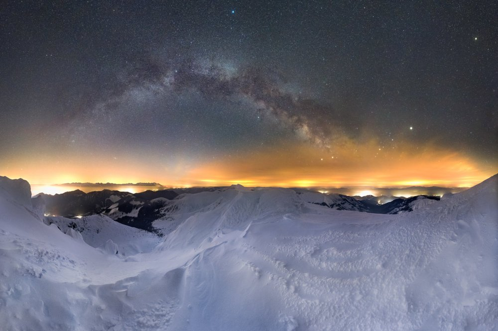 Nočná obloha nad Chopkom.