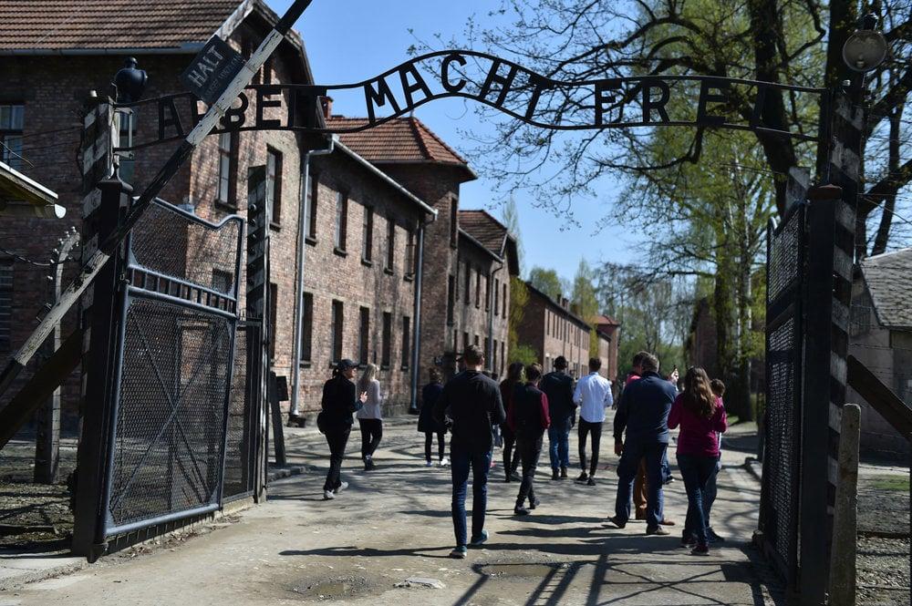 Koncentračný tábor navštívilo asi 30 študentov bratislavského konzervatória.