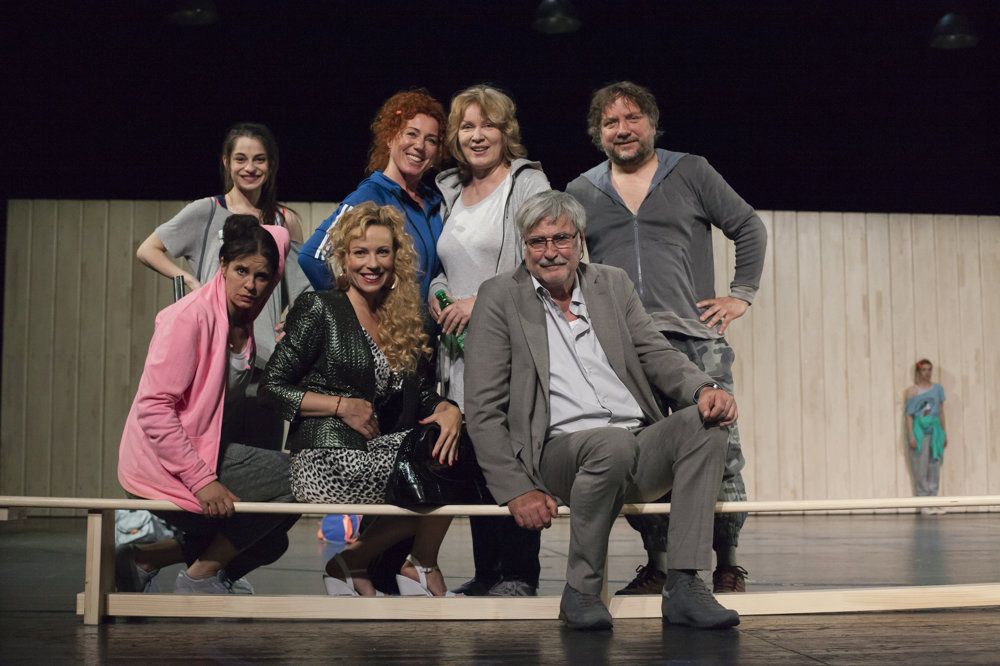 Rodáci: Monika Potokárová/Gabriela Dzuríková/Anna Javorková/Zuzana Fialová/Diana Mórová/Dušan Jamrich