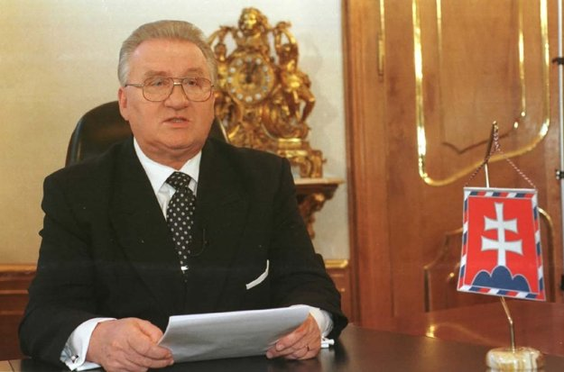 Novoročný prejav prezidenta SR Michala Kováča, ktorý v prvý deň roka 1998 odvysielala Slovenská televízia.