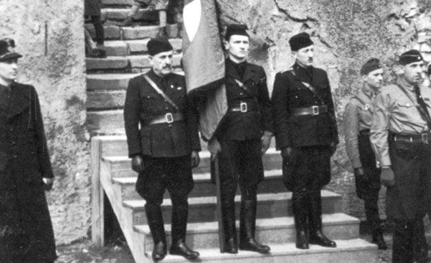 Hlinkova garda  v Banskej Štiavnici pri oslave vzniku slovenského štátu.