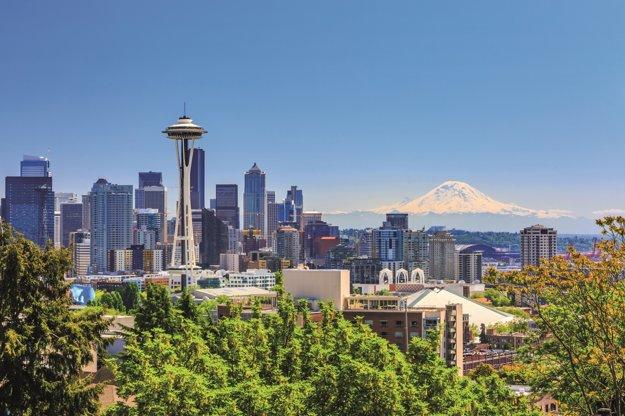 Panoráme Seattlu dominuje veža Space Needle z roku 1962.