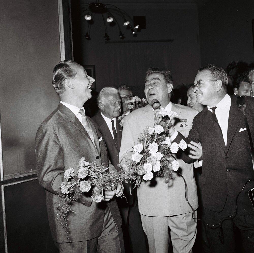 Dubček, Svoboda a Brežnev na rokovaní komunistických a robotníckych strán 2.augusta 1968.