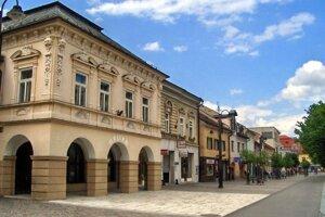 Mestské múzeum sa nachádza na Námestí osloboditeľov.
