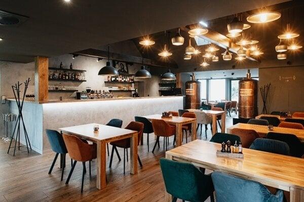 Interiér reštaurácie Bašta Pub & Restaurant v Trenčíne