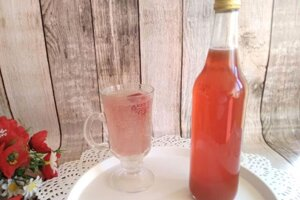 Rebarborovo-jahodový sirup