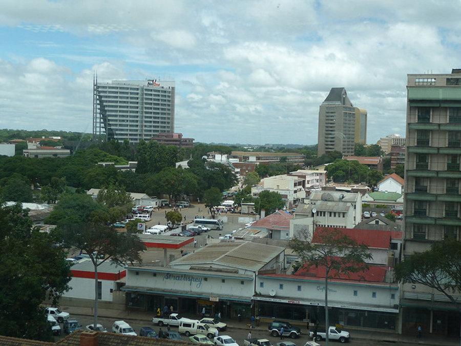 Centrum metropoly Zimbabwe Harare.