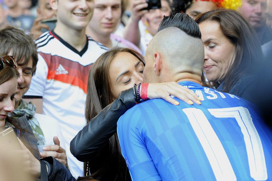 Marek Hamšík a jeho manželka po poslednom zápase na Euro 2016.