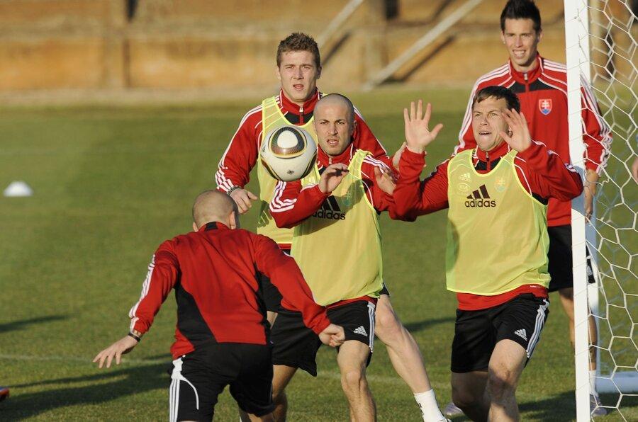 Slováci na tréningu počas MS 2010.