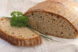 Špaldovo-ražný kváskový chlebík