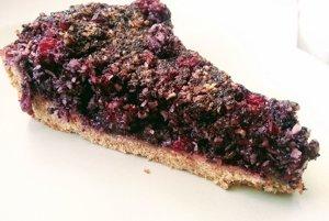 Špaldový koláč s ríbezľami a makom