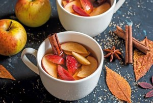 Varené víno s jablkami