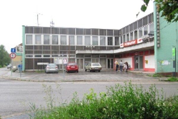 Ľudia z Opatovej na záchranu Kultúrneho strediska spísali petíciu.