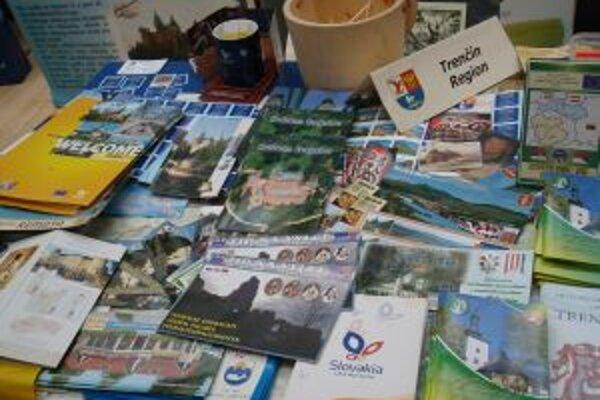 Návštevníkom stánku predstavila Trenčiansky kraj aj videoreportáž o krásach hornej Nitry, či propagačné materiály.