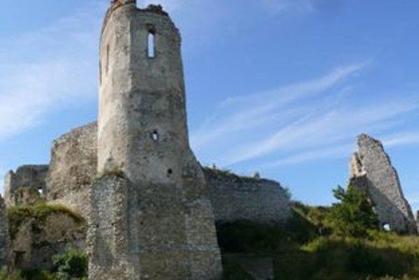 Na rekonštrukciu hradu získala obec z eurofondov 2,5 milióna eur