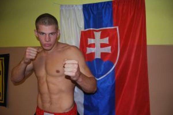 Staroturan Ivan Bartek sa stal majstrom Európy 2011 v thaiboxe.
