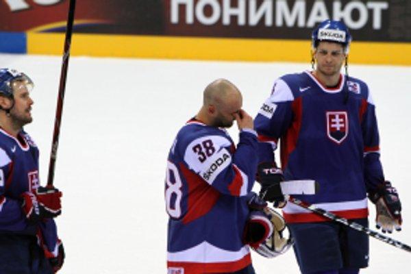Pavol Demitra sa po poslednom zápase slovenskej reprezentácie proti Dánsku rozlúčil s reprezentačnou kariérou.