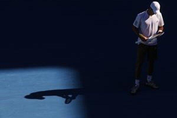 Obhajca titulu Srb Novak Djokovič skrečoval štvrťfinálové stretnutie proti Andymu Roddickovi.