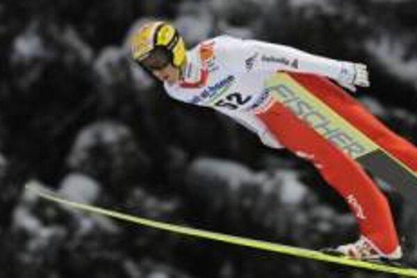 Víťazný skok Andreasa Küttla.