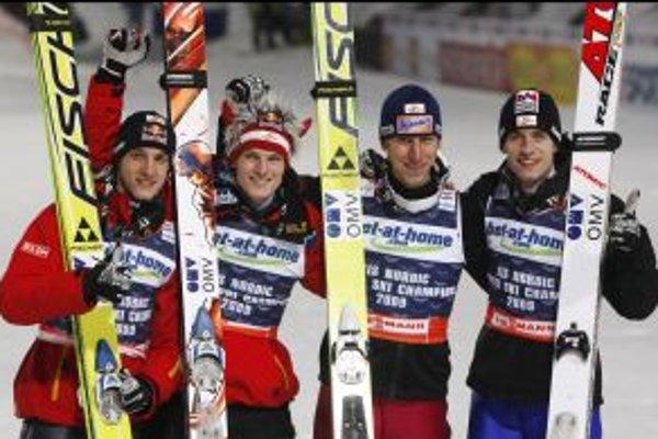 Zľava rakúski majstri sveta: Gregor Schlierenzauer, Thomas Morgenstern, Martin Koch and Wolfgang Loitzl.