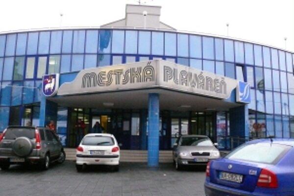 Krytá plaváreň v Trenčíne môže byť mimo prevádzky až do apríla