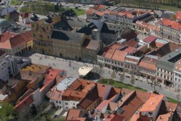 Ilustračné foto. Mierové námestie v Trenčíne sa zrejme tak skoro rekonštruovať nebude.